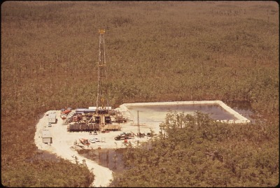 new_oil_rig_north_of_gum_slough_in_big_cypress_swamp_-_nara_-_544511